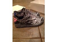 Nike air max 90 moon landing size 9 brand new