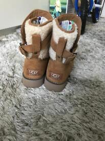 Brown Ugg boots size 5.5