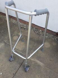 Metal lightweight walking frame