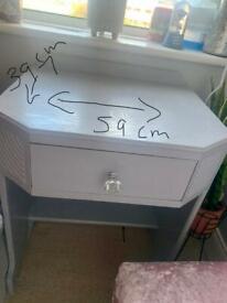 Dresser/Table