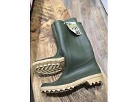 Men's green wellies Size 10 1/2 new unworn