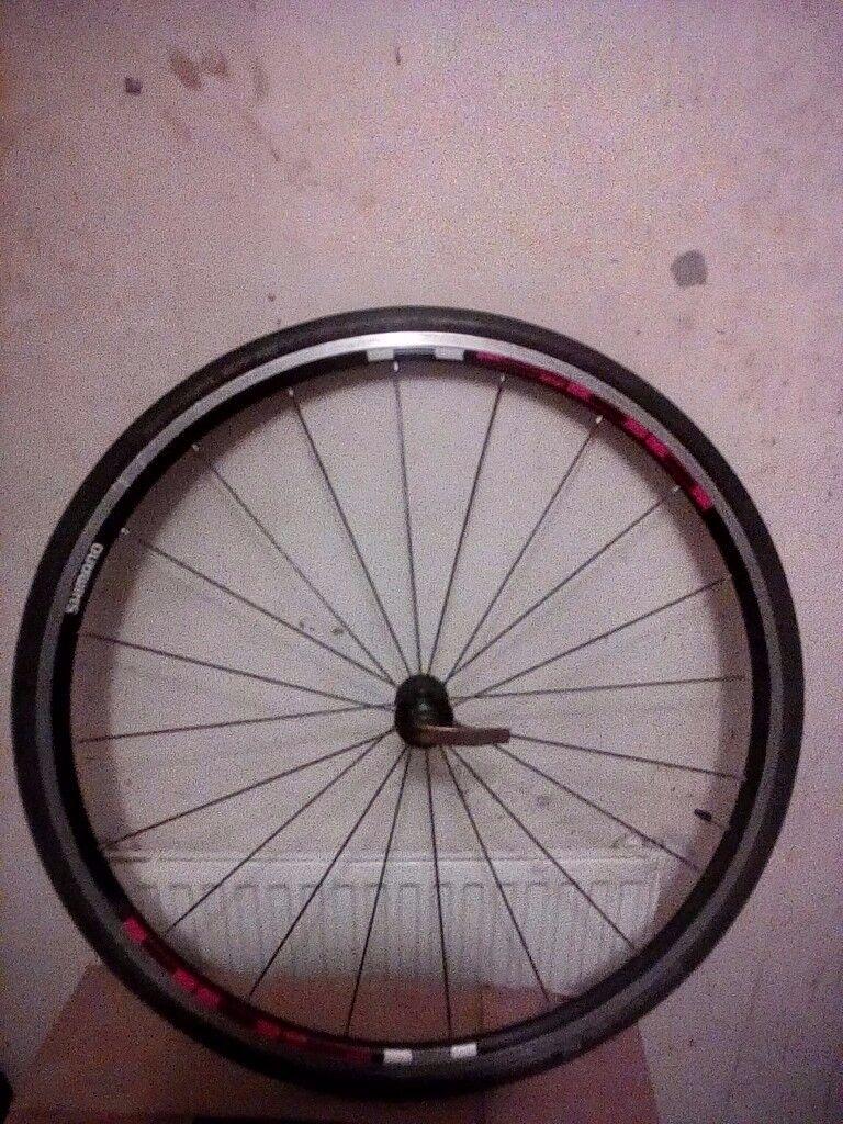 Shimano R500 front wheel + tyre 700c road race hybrid bike black radial spokes **Swap possible**