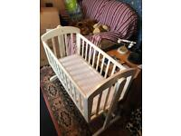 Breeze Wooden mamas and papas Swinging Crib for baby to 6 months - White Pine