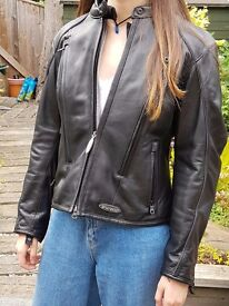 HARLEY DAVIDSON LADIES FXRG TOP OF THE RANGE LEATHER JACKET WORN ONCE SIZE M 10 TO 12