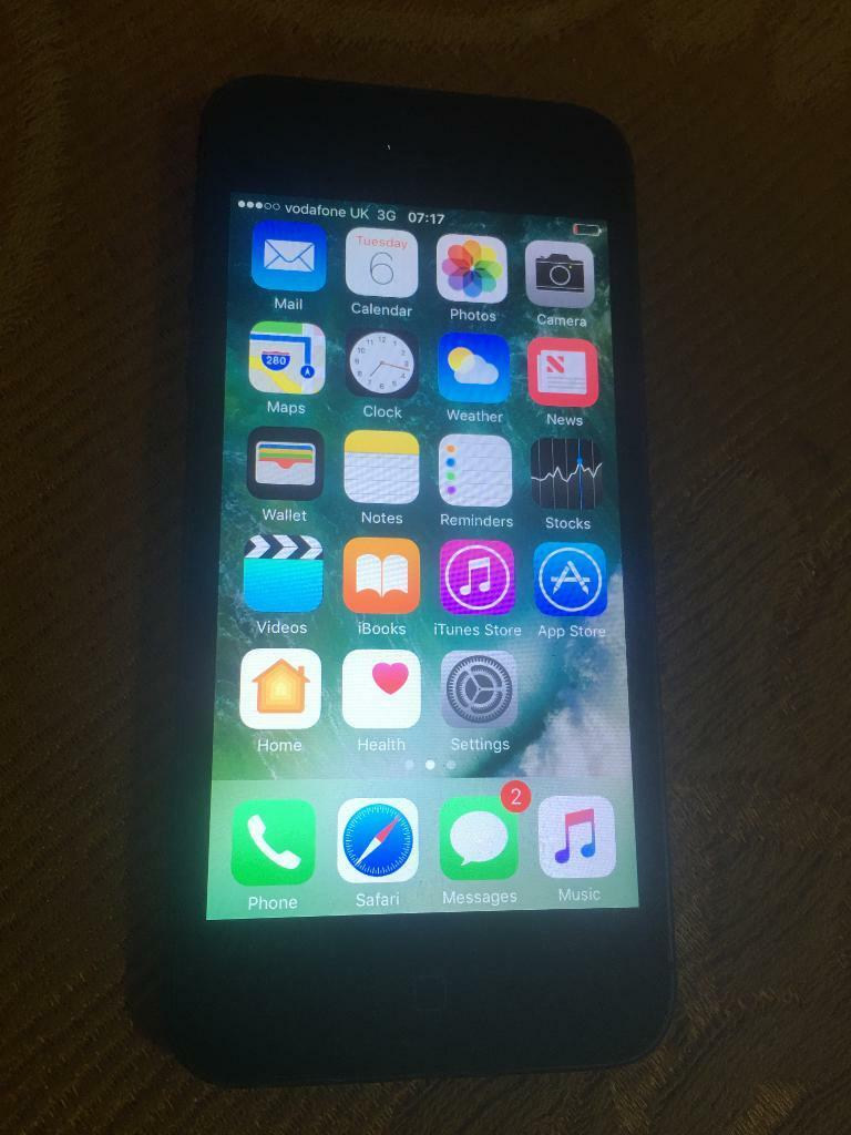 Apple iPhone 5 black like new Vodaphone and lebara