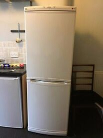 LG Fridge Freezer Excellent Condition