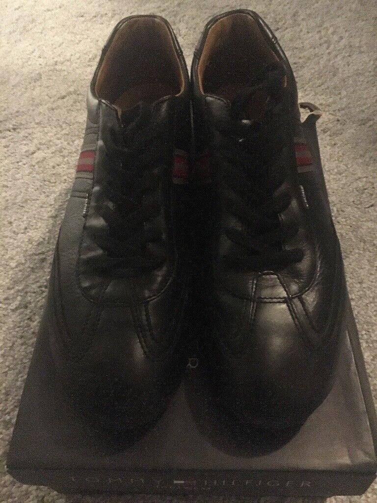 Men's size 11 Tommy Hilfiger shoes