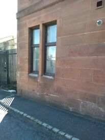 Ground floor, double bed room, spacious flat, - students only