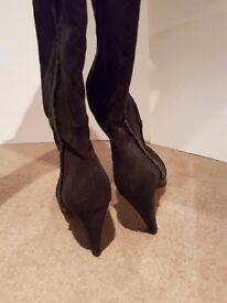 Ladies boota size 7 velvet and fur