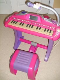 ELC Keyboard with Stool & Mic