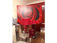 RED HOME ACCESSERIES INCL 1 TABLE LAMP, 1 LARGE PICTURE, 5 VARIETY OF SIZES VASES AND 1 ORDAMENT.