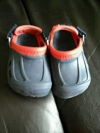 Crocs size 6/7 hardly worn