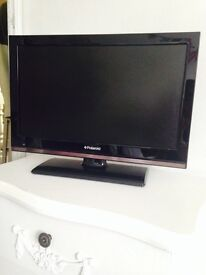 "Shiny black Polaroid 19 ""TV/DVD with remote"