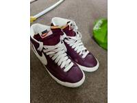 Nike dunks and scs size 4