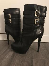 Michael Kors MAE boots size 5
