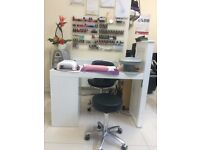 UB1 1RR To rent Nail station