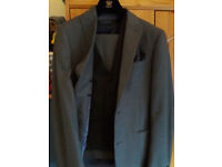 NEXT Tailored suit. A very modern fit for the young man, 3 piece suit, shirt, 2 ties