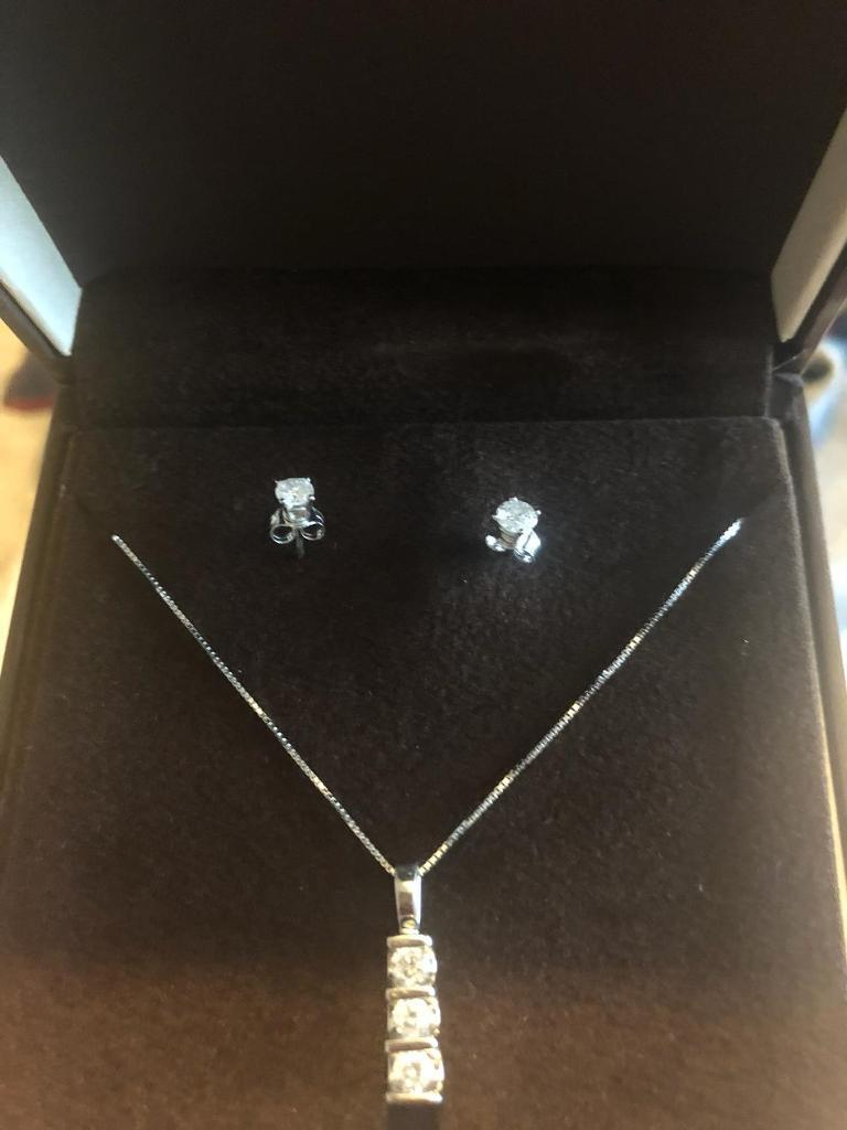 2c80ac585fe6e Ernest Jones Diamond Necklace and Earrings | in Bradford, West Yorkshire |  Gumtree