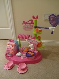 Minnie's Cake Bowtique Toy Age 3 plus - Pretend Cake Shop