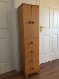Wooden chest of drawers / cabinet /
