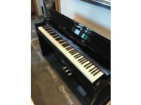 Electric Piano Roland + Stool