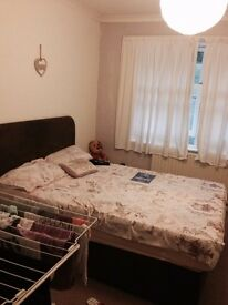Alarge double bedroom for rent