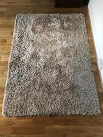 Champagne rug 120 x 170 cm