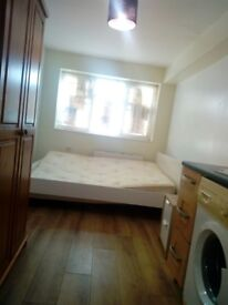 Self contained Double Room To Rent