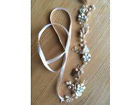 Gold/pearl/sparkle circlet headdress