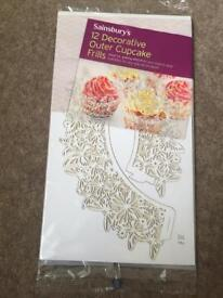 Decorative outer cupcake frills x 12 *new*