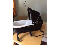 carrycot and adapter for out n about double nipper