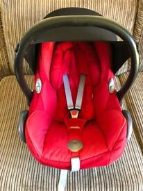 Maxi cosi Red car seat with rain cover