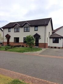 IMMACULATE 4 BEDROOM SEMI DETACHED HOUSE