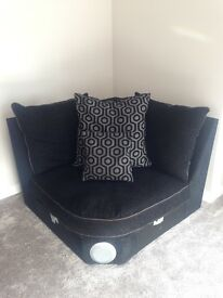 Modern, corner sofa in excellent, almost new condition for sale