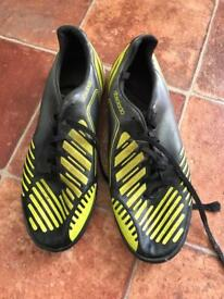 Predator Absolado Astro turf boots size 6UK
