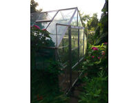 12'x9' (3.60m x 2.70m) large greenhouse in good condition