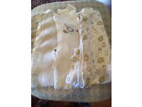 babygrows x6 for 6-9 months
