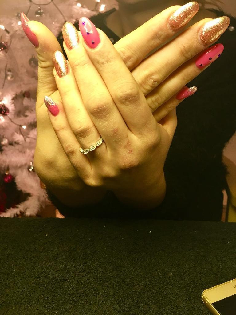Nails technician home based. Gel,acrylic extensions 15£