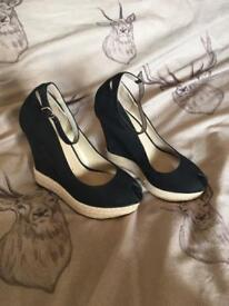 Wedges size 4