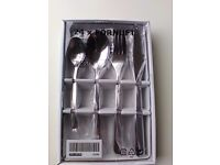 Brand New 24 Piece Cutlery Set