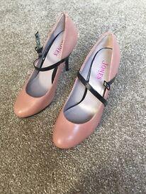 Jones shoes size 40 heels