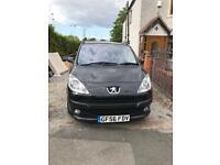 Peugeot 1007 1.4 manual diesel car. Electric doors. Short mot