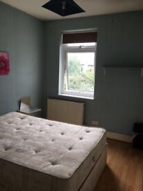 LARGE SINGLE / DOUBLE ROOM NEAR TO WALTHASTOW CENTRAL STATION