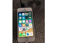 iPhone SE 16gb Silver Unlocked