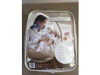 Dream genii breastfeeding cushion