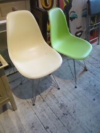 EAMES STYLE CHAIRS CEIL PLASTIC DWELL BUCKET CHAIRS CHROME LEGS