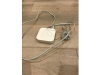 Apple Airport Express 3rd Gen A1392 excellent working condition with cable