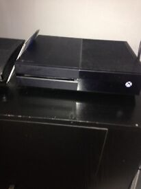 Xbox one won't load games, but still play online etc selling due to going to a ps4