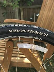 700c Disc wheel bontrager with new tyres