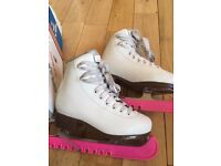 Graf Bolero size 30 ( UK Jnr 12) Figure skates / ice skates with guards